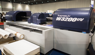 Screen's new W3200UV is a mid-range flatbed targeted firmly at production environments.